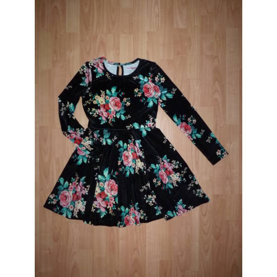 146/152-es gyönyörű, csinos ruha