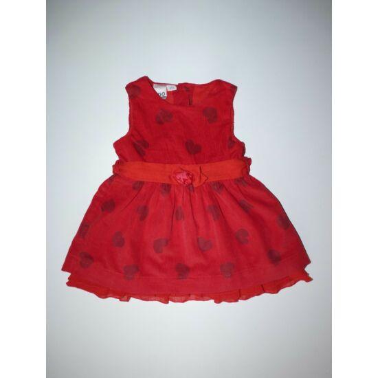 68/74-es tündéri piros alkalmi ruha szívecskékkel