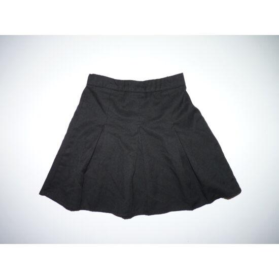 104/110-es fekete alkalmi kislány rakott szoknya