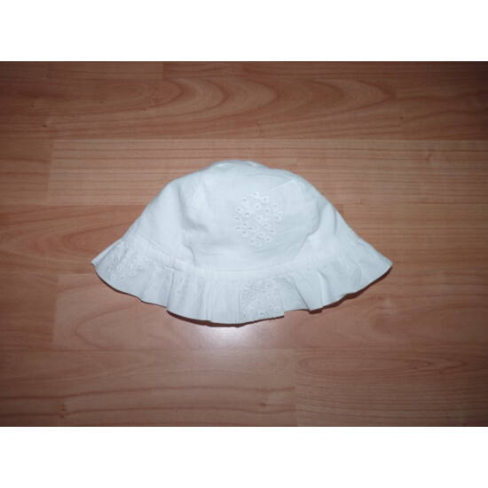 56-os fehér madeira fodros kislány kalap