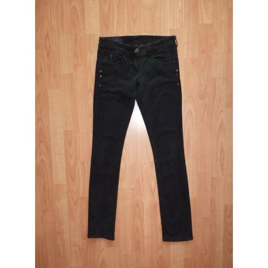 164/170-es divatos, koptatott fekete farmernadrág