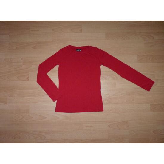 146/152-es egyszínű, piros pamut felső