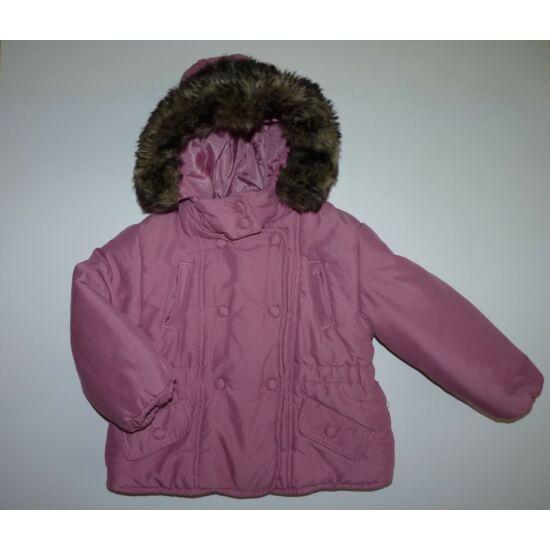 92-es kapucnis kislány kabát