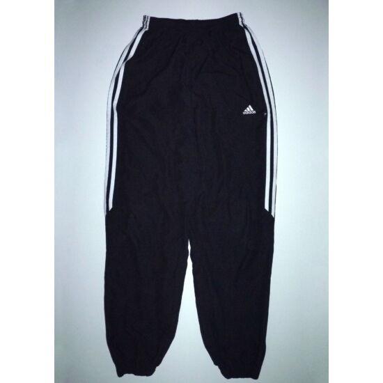 158-as Adidas fekete melegítő nadrág