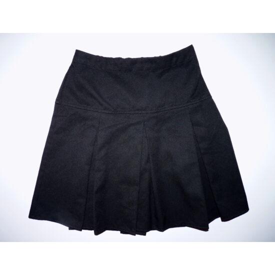 152-es Next fekete ünneplő szoknya