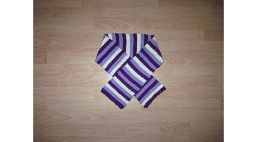 9-12 évesnek lila-fehér színű kötött sál - Sapkák 51f0b9834b
